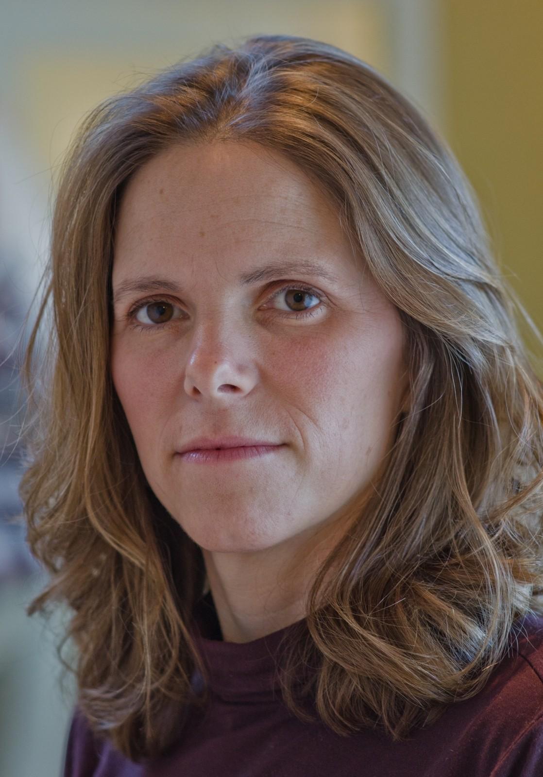 Kinesiologist Victoria BC Heidi Nottelman